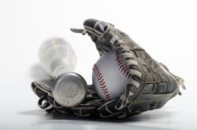 少年野球用グローブのサイズや色規定は?手入れや柔らかくする方法も紹介!